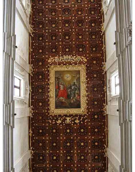 Lecce Basilica di Santa Croce navata