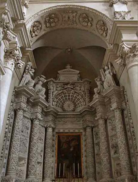 lecce-basilica-di-santa-croce-interno