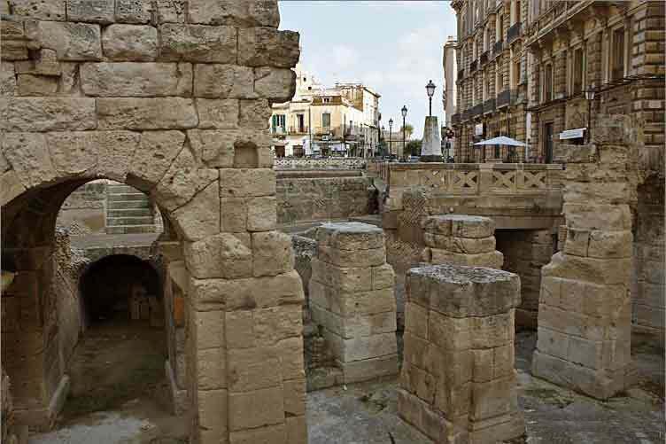 lecce-scavi-piazza-sant-oronzo