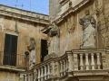 Lecce Propilei sormontati da statue